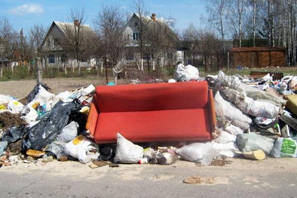 Выброшенный диван