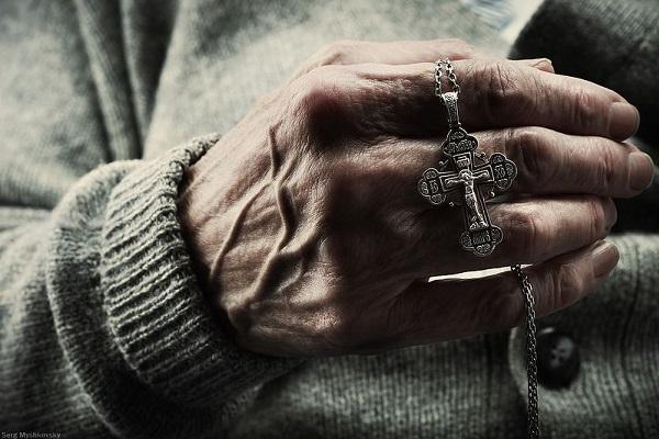 Молитва с крестом от клопов