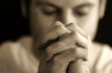 Молитва от клопов в квартире: спасет ли?